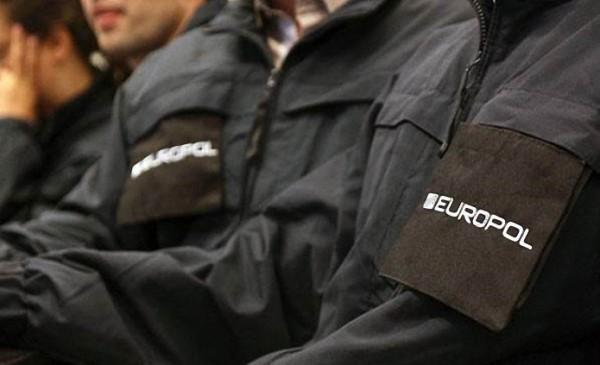 Avrupa'da Bombalı Araçla Terör Saldırısı Yapılabileceği Uyarısı