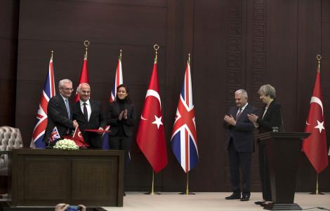 Türkiye ile İngiltere Anlaştı! Yerli Savaş Uçağı 2023'te Uçacak