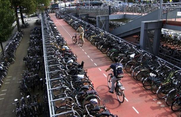 Dünyanın En Büyük Bisiklet Otoparkı Hollanda'da Açılacak