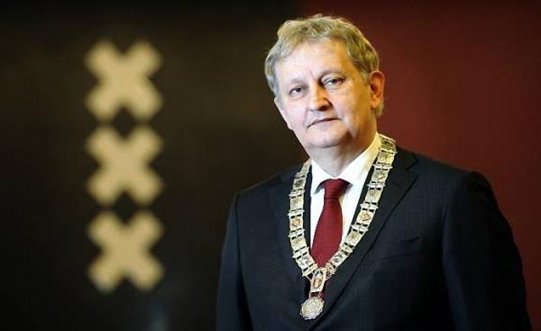 Amsterdam Belediye Başkanı Van Der Laan Hayatını Kaybetti