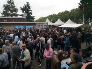 Hollanda'da Ramazan Bayramı Namazında Camiler doldu taşdı.