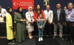 Hollanda'daki Türkler oy kullanmaya başladı