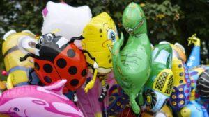 Rotterdam'da Polisin el koyduğu balonlar hasta çocuklara dağıtıldı