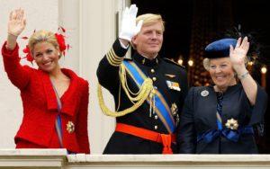 HOLLANDA DOSYASI : HOLLANDA KRALİÇESİ'NDEN FETÖ'CÜ MERKEZE ZİYARET !