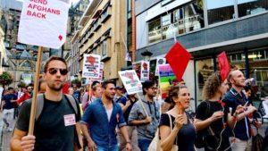 Hollanda'da Mültecileri Göndermeyin Protestosu