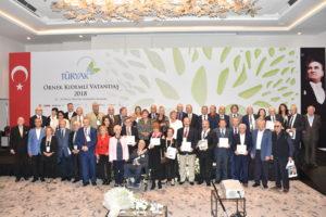 Halil Gür'e Örnek Vatandaş Ödülü verildi