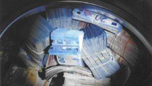 Amterdam'da Çamaşır makinesinden 350 bin euro çıktı