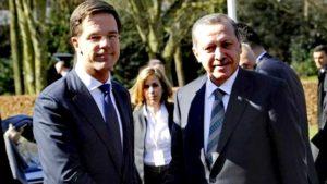 Hollanda'da Türk Okulları 'Tamamen Denetimsiz Olacaklar'
