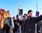 """Hollanda'da """"Noel Baba"""" Festivalinde Irkçılık Protestosu"""