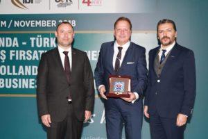 NETUBA VE MÜSİAD Hollanda Türkiye Yatırım zirvesi gerçekleştirdi.