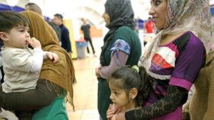 Mülteciler seyahat belgelerini 700 Euro'dan satıyor