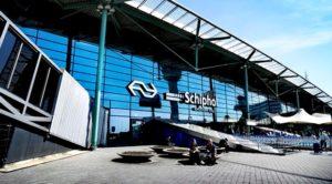Amsterdam Schiphol Havalimanı'nda bomba paniği