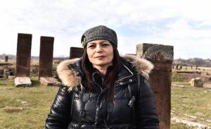 Tarihi Mezarlığı Fotoğraflamak İçin 4 Bin 200 Kilometre Yol Kat Etti