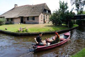 Tarihi evleri ve kanallarıyla Hollanda'nın şirin köyü Giethoorn
