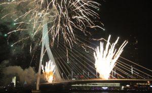 Hollanda'da Yeni Yıl Kutlamaları 2 Kişinin Hayatına Maloldu