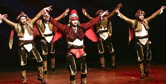 Hollanda'da 15'inci Türk Halk Oyunları Yarışması düzenlendi.