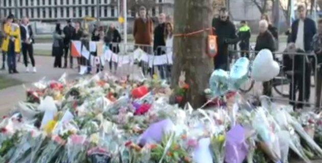 Hollandalılar Saldırıda Ölenleri Anıyor