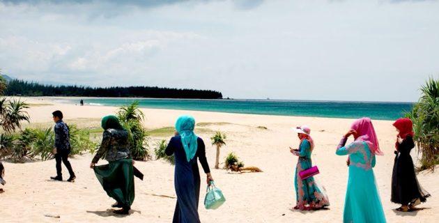 Arnoud van Doorn, Müslümanlar için 'helal plaj' talebinde bulundu