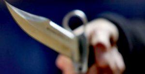 Hollanda'da camide bıçaklı saldırı