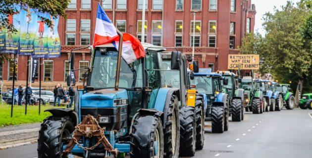 Hollanda'da çiftçilerden protesto