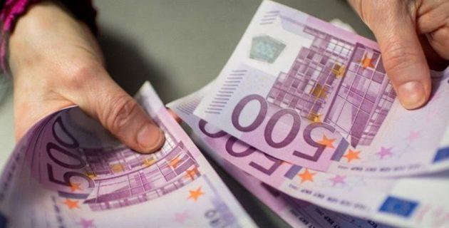 Hollanda bu yıl sığınmacılara 5,5 milyon avro tazminat ödedi