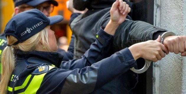 Hollanda'da sosyal medyadan tanıştıkları kızlara cinsel istismarda bulunan 8 kişi gözaltına alındı