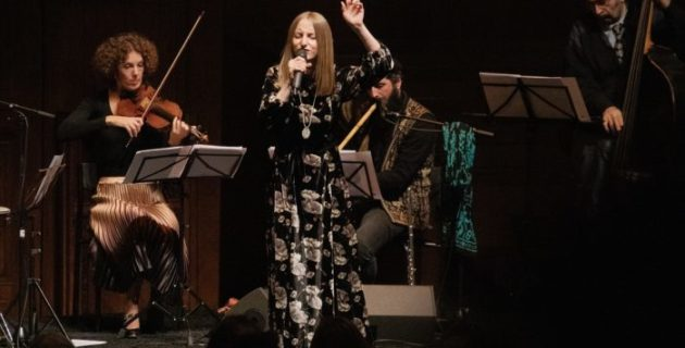 Hollanda'da Grand Bazaar konseri