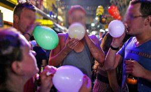 Hollanda`da 'gülme gazı' yasakladı