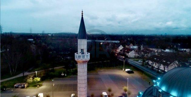 Hollanda ve Almanya'daki bazı camilerde, koronavirüs salgını nedeniyle ezan okunmaya başladı
