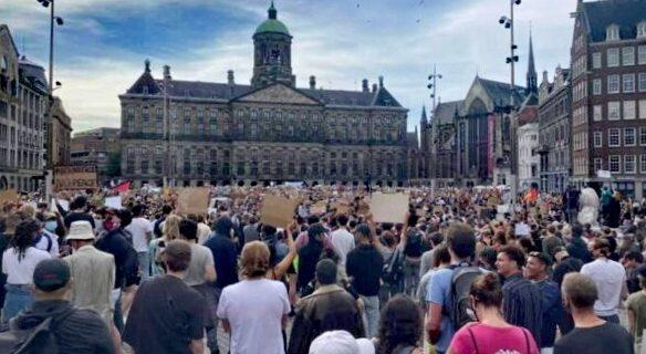 Amsterdam Belediye Başkanı Femke Halsema'nın istifası istendi