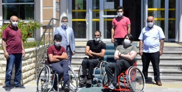 Hollanda'da yaşayan gurbetçilerden engellilere anlamlı destek