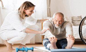 Hollanda Sağlık Sektöründe Yeni Uygulama; Anne-babasına bakanlar maaş ile işe alınacak