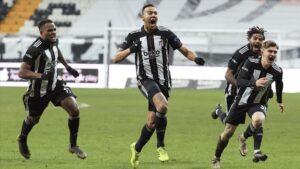Derbide Beşiktaş, sahasında Galatasaray'ı 2-0 yendi