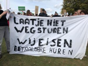 Hollanda'da Konut Azligi Ve Artan Kiralar Protesto Edildi