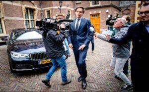 Hollanda Maliye Bakanı'nın 'vergi cenneti' Virgin Adaları'nda bir şirkete yatırım yaptığı ortaya çıktı